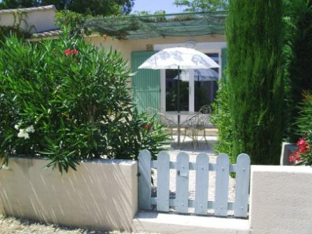 gite rental swimming pool saint remy de provence