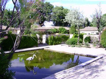 L 39 environnement du gite saint remy de provence votre gite for Camping saint remy de provence avec piscine